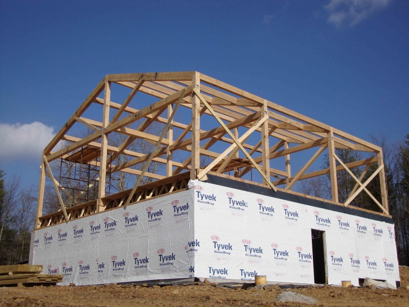 image of a full timber frame home with four bents built near Smith Mountain Lake by Timber Ridge Craftsmen Inc