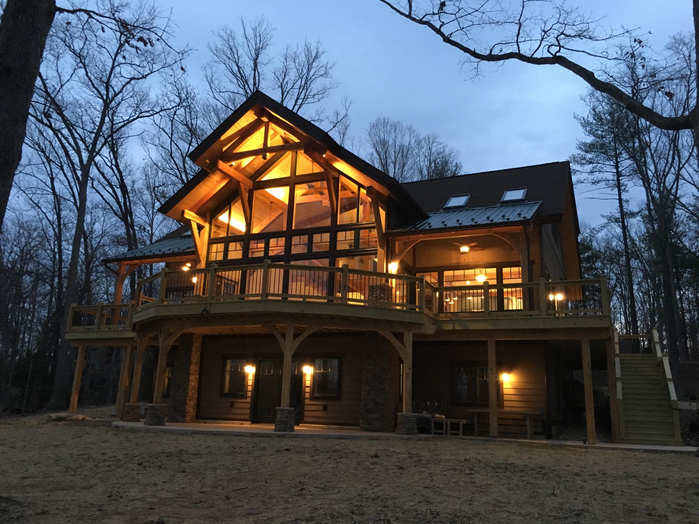 New custom log home construction exterior shot